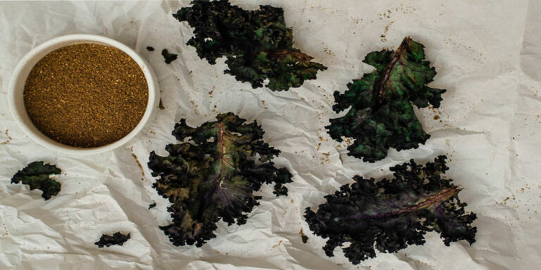 How to make kale chips in a microwave?