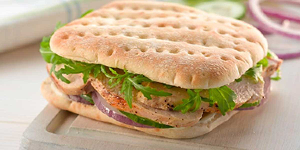 Kid's Lunch Box Meal: Sandwich thins with chicken, mayo and yogurt