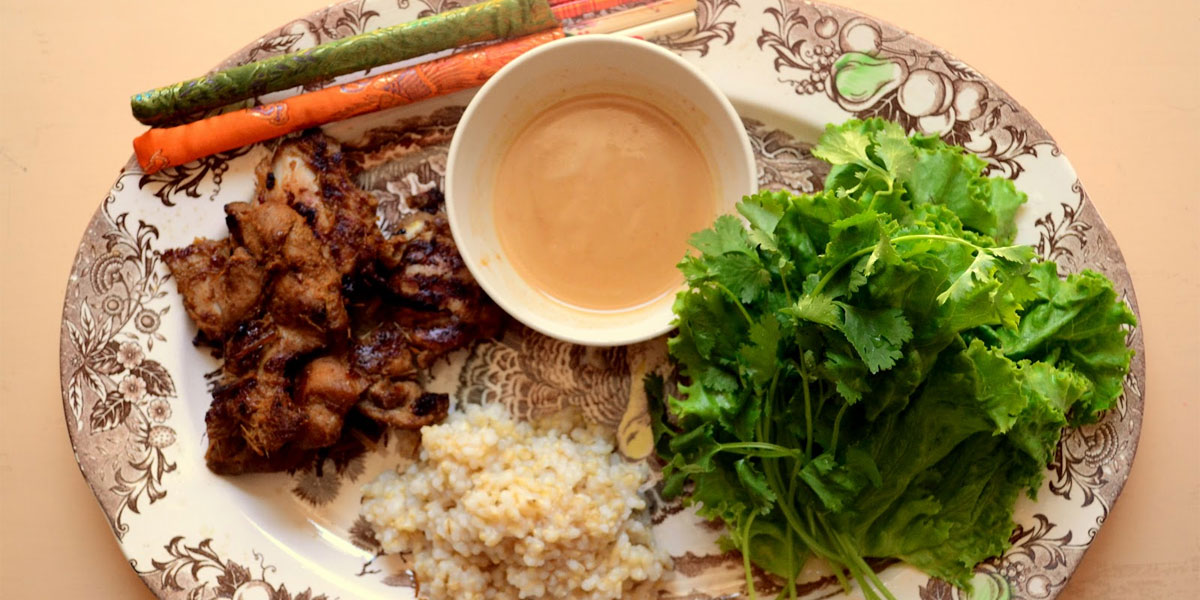 Vietnamese Cooking: Chicken Satay with lettuce, herbs, peanut sauce and brown rice